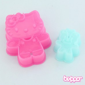 Hello Kitty Hugging Cookie Mold Set