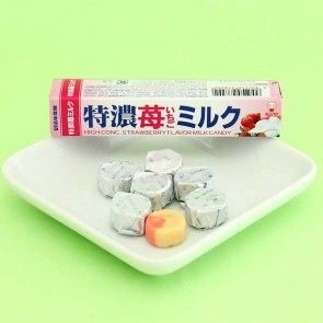 UHA Tokuno 8.2 Milk High Concentrated Candy - Strawberry & Milk