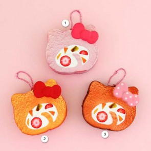 NIC Hello Kitty Swiss Roll Cake Squishy Charm
