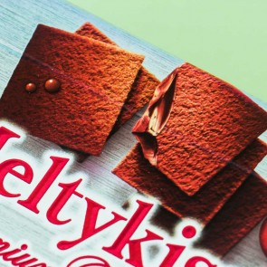 Meiji Meltykiss Premium Dark Chocolates - Mixed Berries
